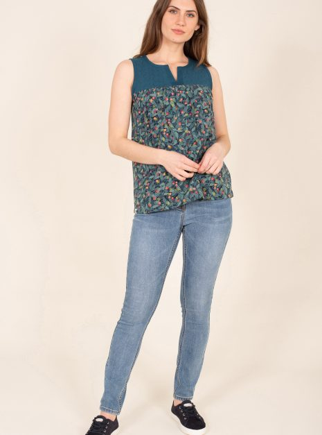 Summer Berry Sleeveless Top Front Wide